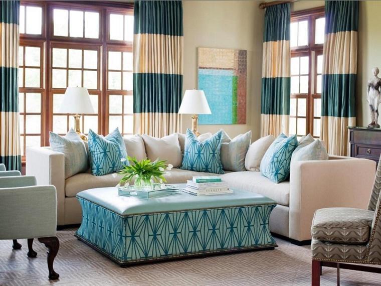 pareti colore neutro tende contrastanti