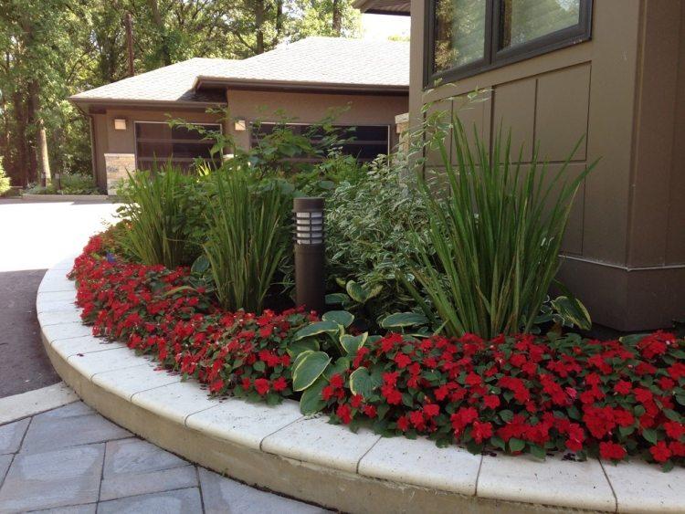 Progettazione giardini in stile minimal tantissimi for Aiuole sempreverdi