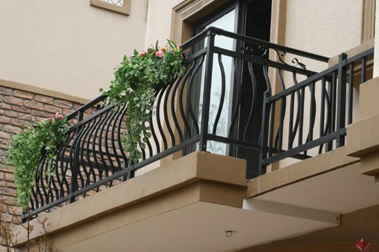 Balconi Con Ringhiere In Ferro Battuto Dal Classico Al Moderno