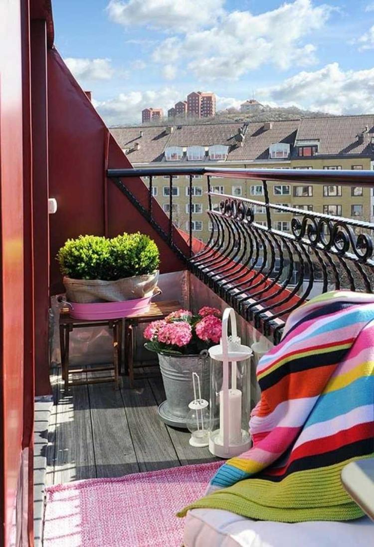 ringhiere in ferro battuto curvate balcone