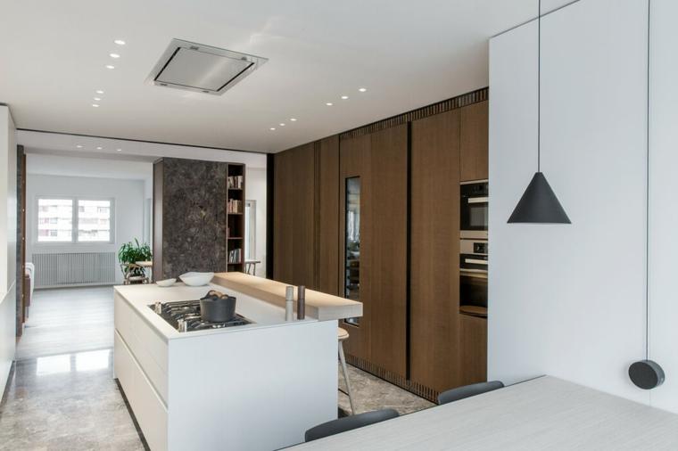 Cucina con isola centrale, come arredare sala e salotto insieme, lampadario nero sospeso