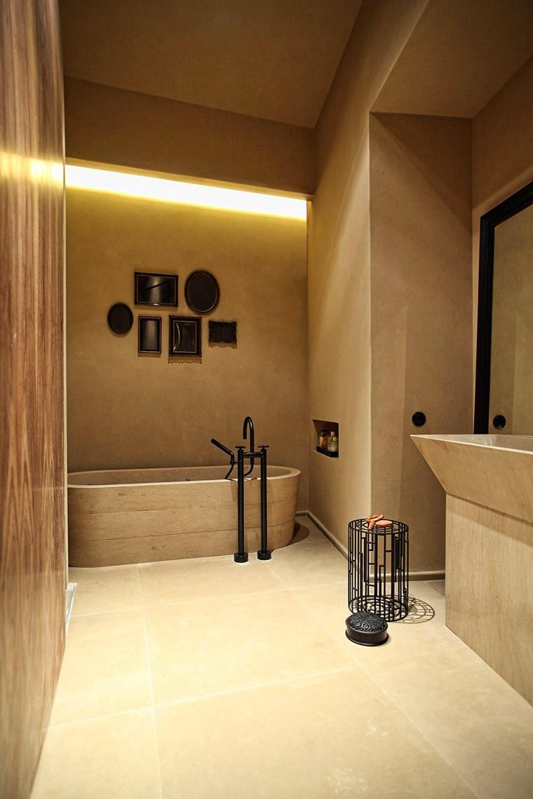 striscia led illuminare bagno design rustico