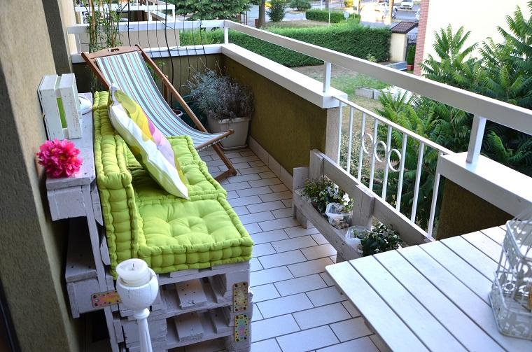 Pallet idee economiche fai da te per arredare la casa for Mobili da terrazzo in legno