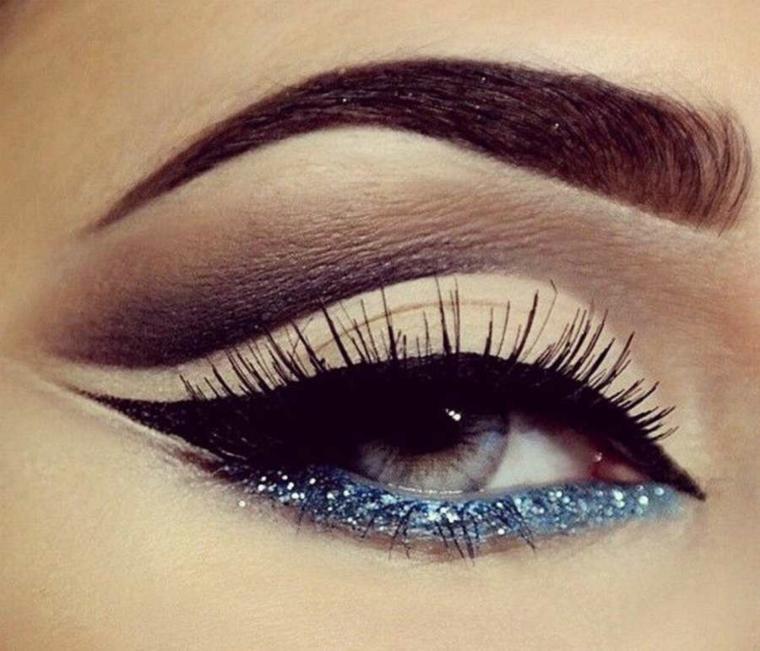 trucco luminoso occhi glitter idea capodanno
