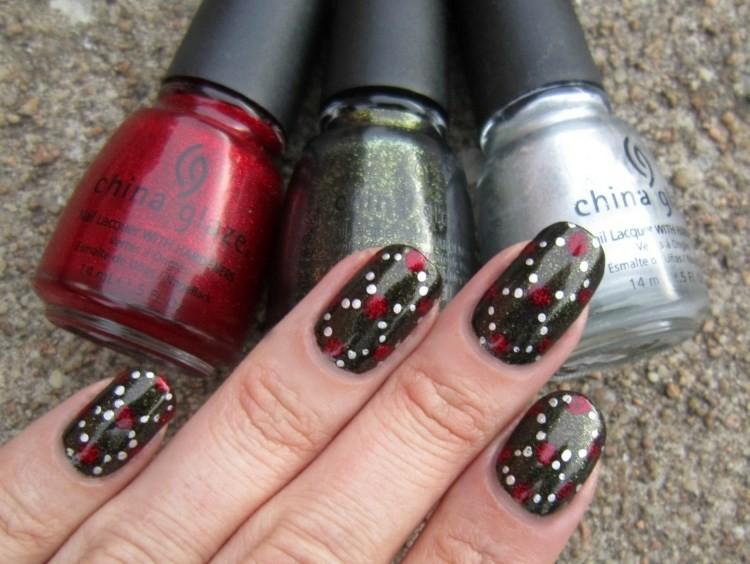 unghie nail art tre colori tema natalizia