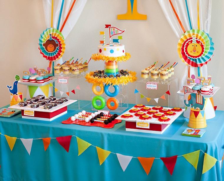 Tavolo Compleanno Bimbo : Addobbi compleanno tante idee fai da te dolci colorate e