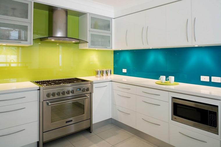 Arredo cucina in bianco e dal design moderno una scelta di stile