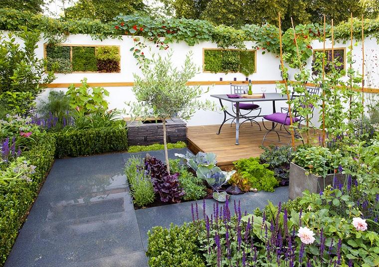 arredamento outdoor set metallo tante piante