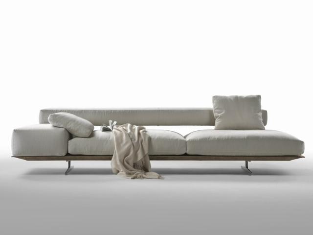 arredamento salotto stile minimal divano bianco