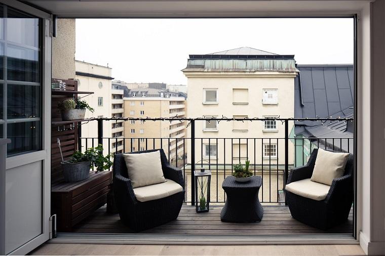 Arredare il terrazzo con mobili moderni per un outdoor da for Arredamento per terrazzo piccolo