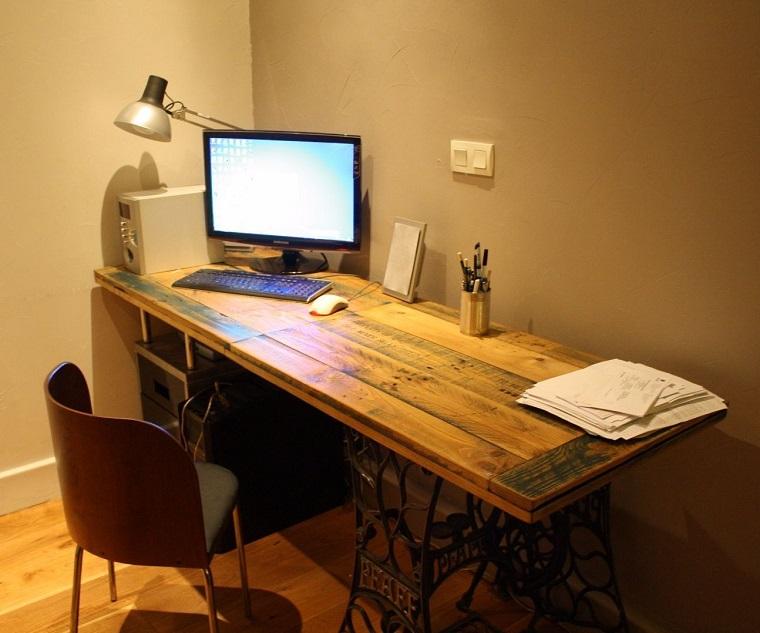 arredamento ufficio tavolo computer pallet