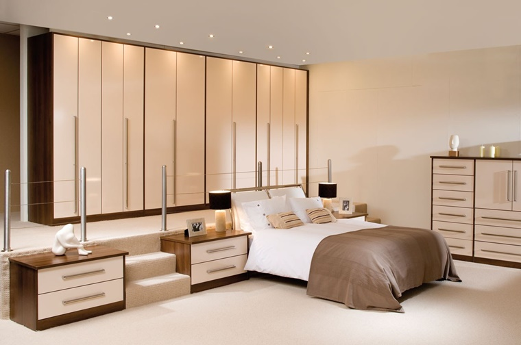 arredare camera da letto mobili colore beige