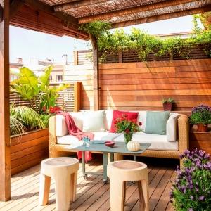 Arredare balcone piccolo: tante idee e composizioni salvaspazio ...