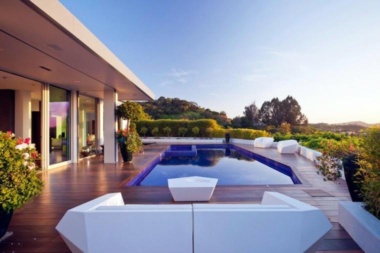 https://archzine.it/wp-content/uploads/2017/01/arredare-il-terrazzo-stile-moderno-piscina-grande.jpg