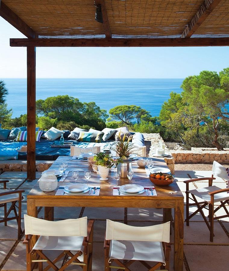Arredare il terrazzo con mobili moderni per un outdoor da - Tavolo da terrazzo ...