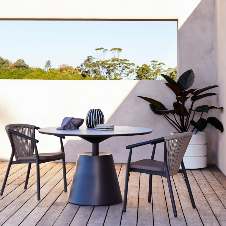 arredare terrazzo appartamento set di mobili da esterno in metallo decorazioni cn pianta dalla foglia verde