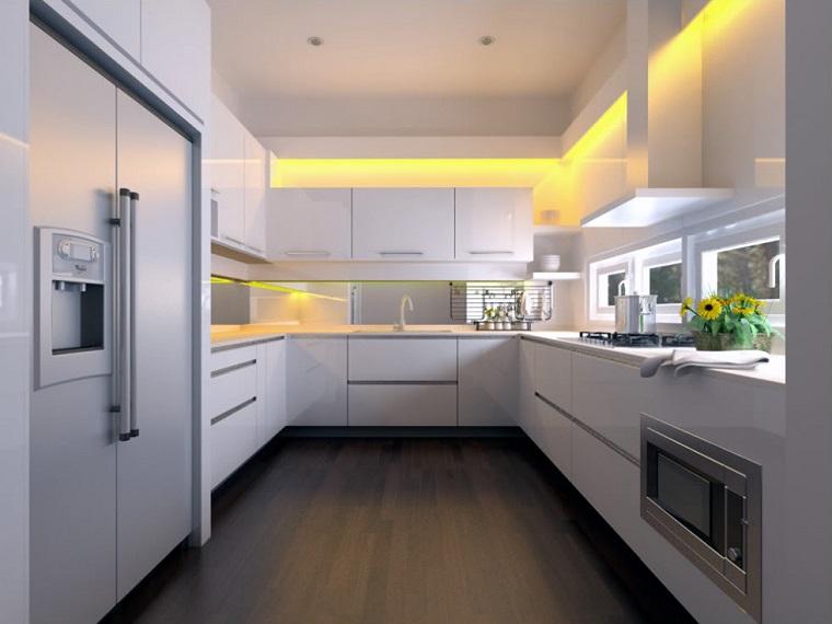 Arredo cucina in bianco e dal design moderno: una scelta di stile