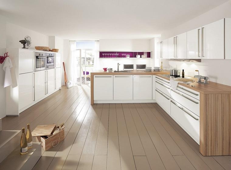 Arredo cucina in bianco e dal design moderno una scelta - Cucina bianca e legno ...