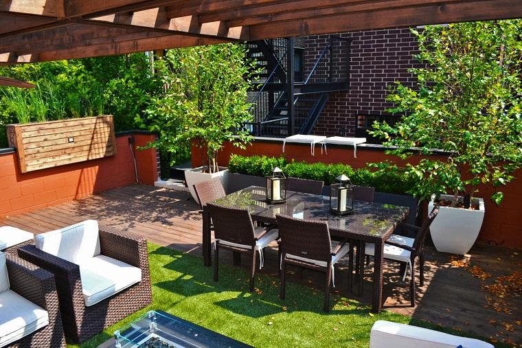 Outdoor come allestire il terrazzo in modo confortevole for Arredo terrazzo napoli