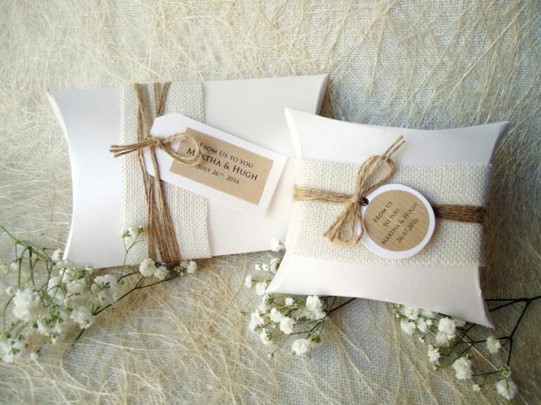 bomboniere matrimonio 2021 sacchettino decorato etichetta legata con spago