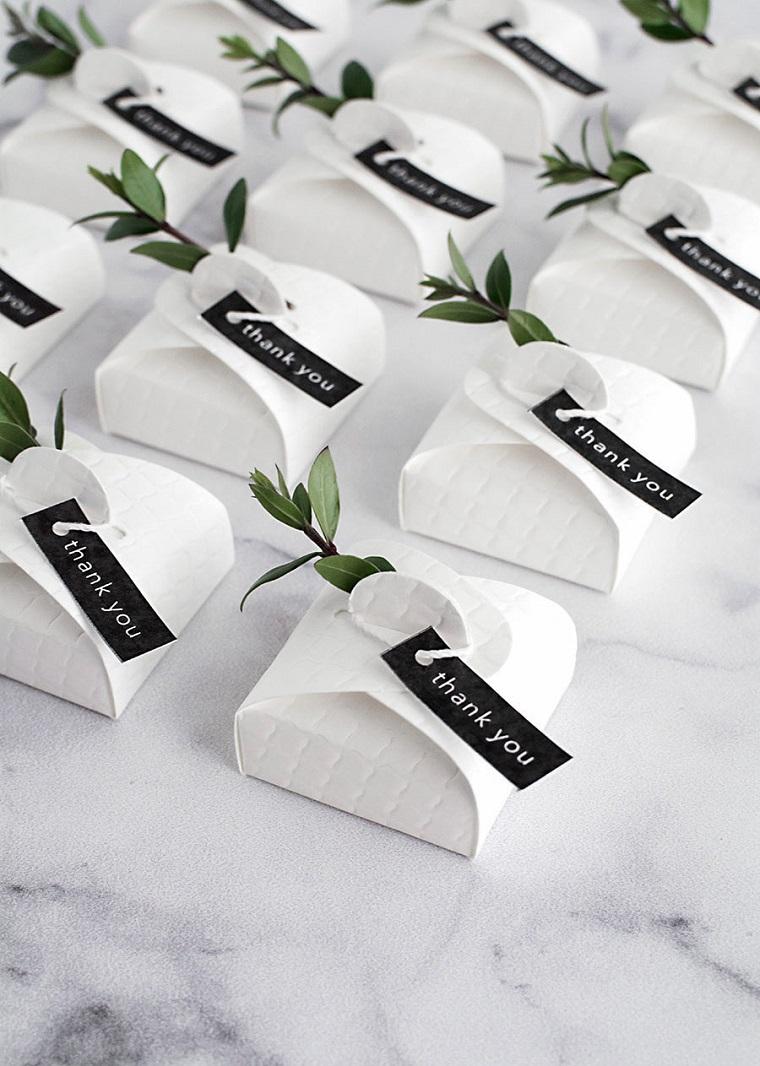 bomboniere matrimonio fai da te sacchettino di carta bigliettino e rametto con foglie