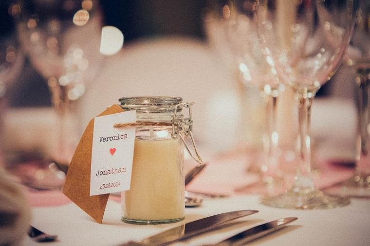 bomboniere matrimonio utili ed economiche barattolo di vetro con candela etichetta personalizzata
