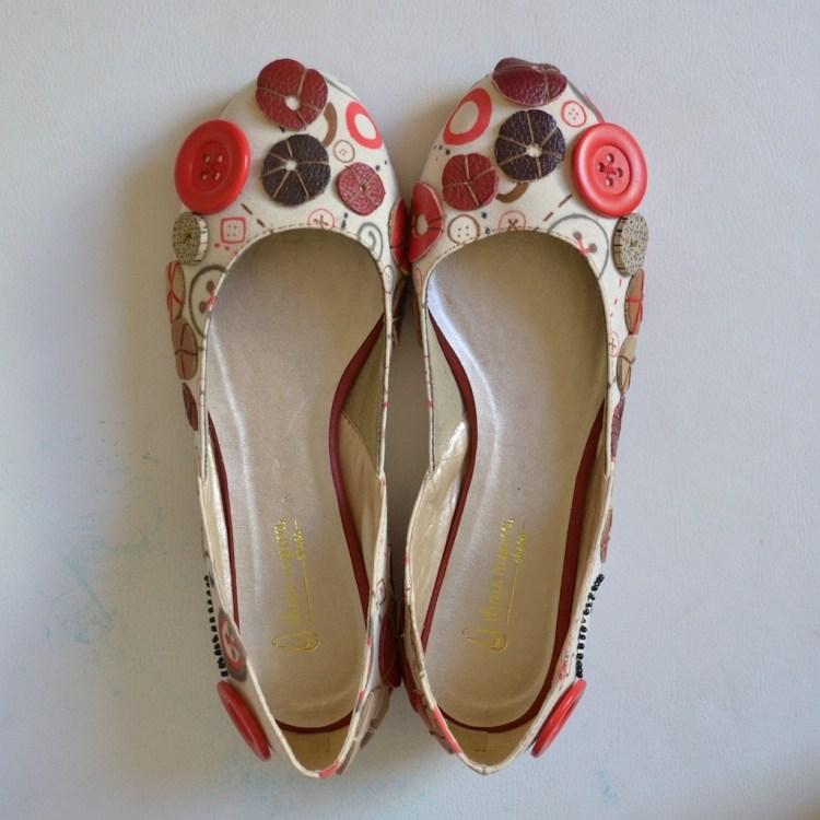 bottoni suggerimento originale interessante decorare scarpe