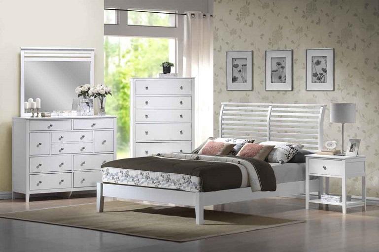 Camera da letto bianca proposte da sogno dalle tonalit candide con accenti di colore - Camera da letto con carta da parati ...
