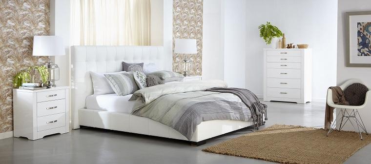 camera da letto bianca parete decorata