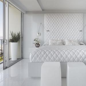 Camera da letto bianca: proposte da sogno dalle tonalità candide con accenti di colore