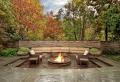 Camini, idee per creare un'atmosfera outdoor accogliente intorno al fuoco