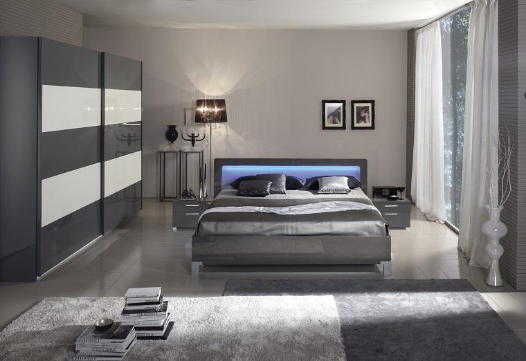 Parete Camera Da Letto Argento : Pareti grigie per la camera da letto con sfumature a cui
