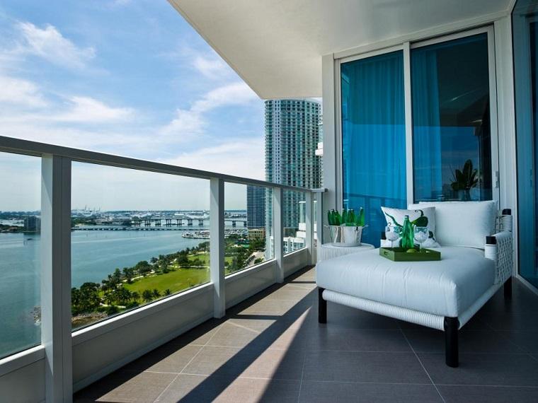 come arredare un terrazzo minimal design