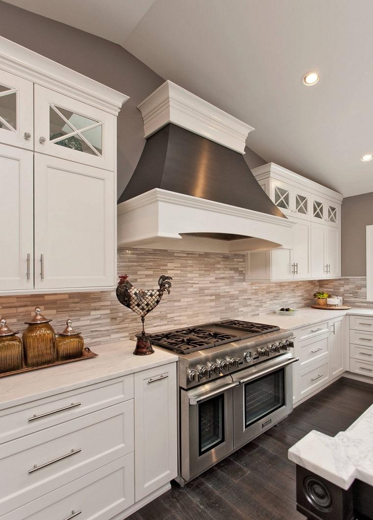 cucina bianca elettrodomestici acciaio inox