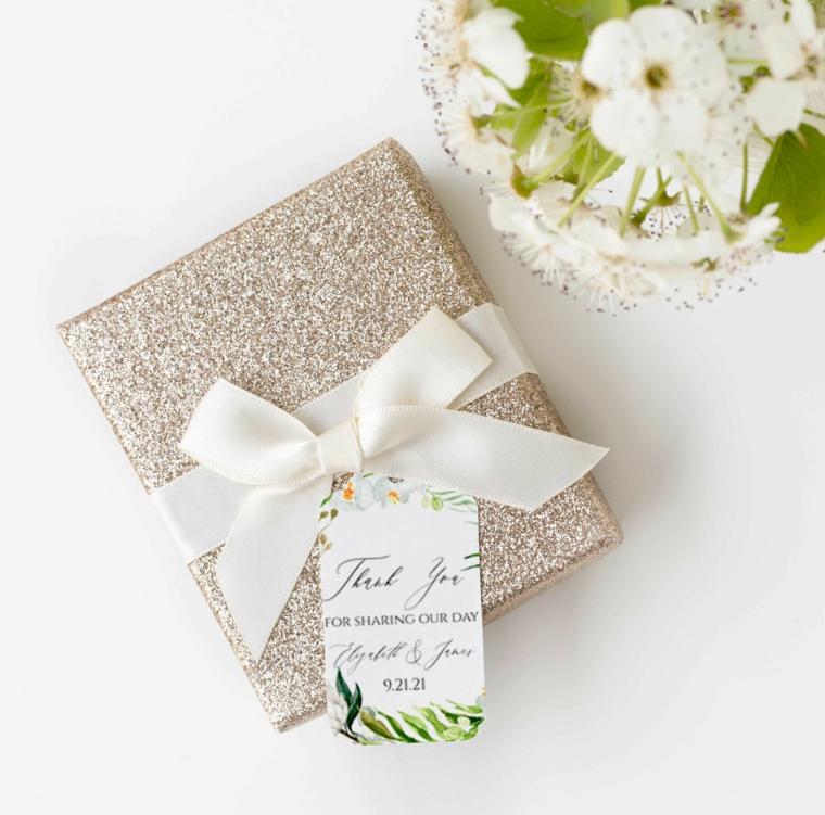 decorazione bomboniera per matrimonio con etichetta personalizzata fiocco con nastro bianco