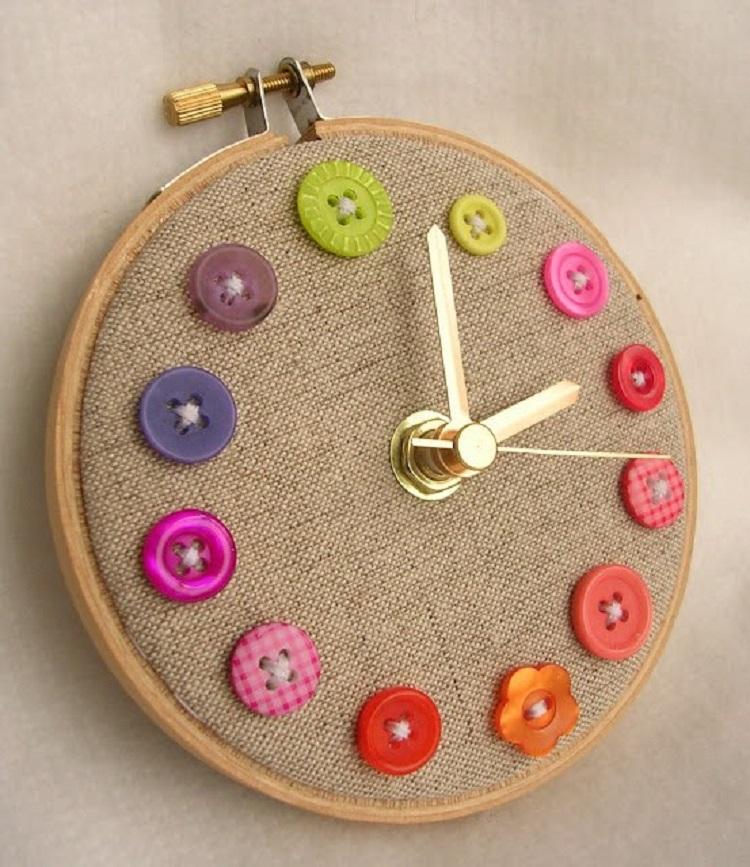 decorazioni casa fai da te orologio colorato vivace