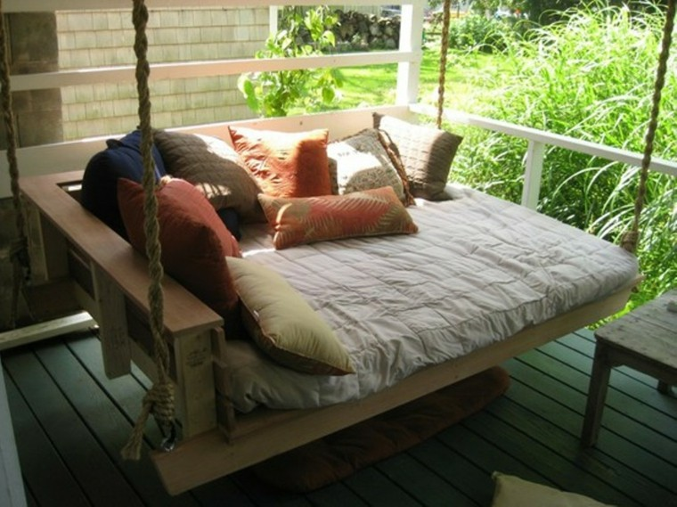 divano altalena pallet terrazzo