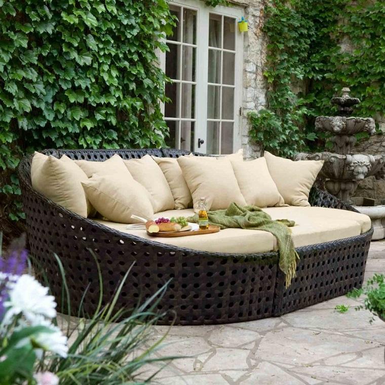 Set da giardino 24 idee comode e di tendenza per arredare - Cuscini per poltrone da giardino ...
