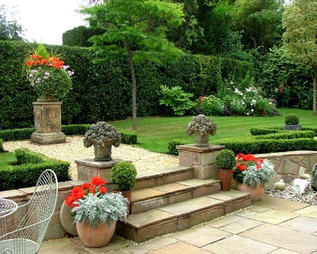 giardino muri sostegno recinzione siepi
