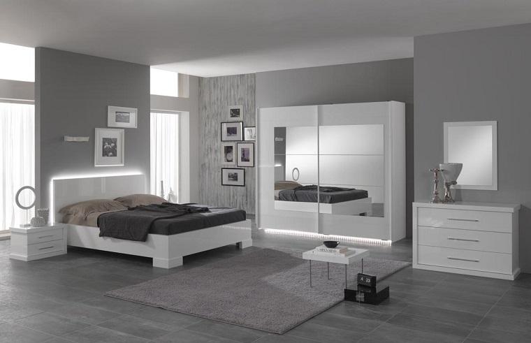 idea originale mobili bianco pareti colore grigio