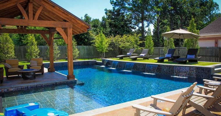 idea originale piscina esterna tocco elegante