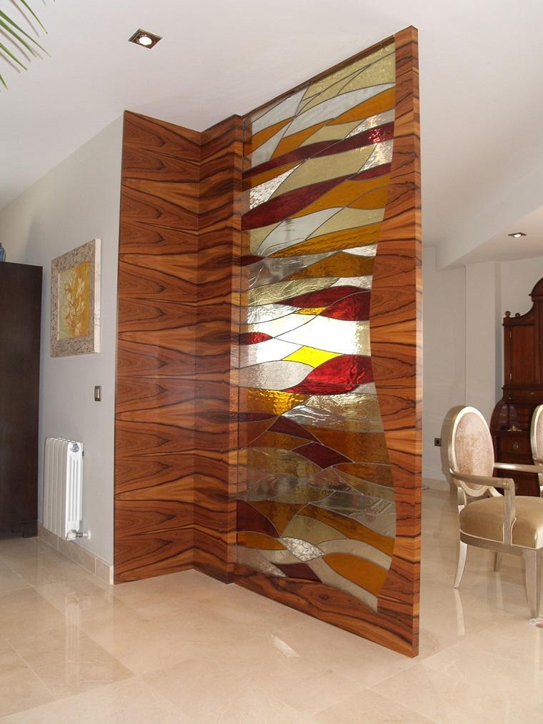 Parete divisoria per un soggiorno alla moda e di design for Ambiente design