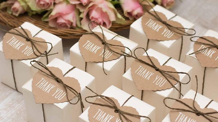 idee bomboniere matrimonio scatoline cartone cuore
