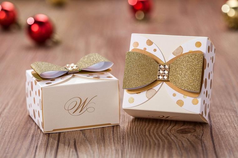 idee bomboniere matrimonio scatoline cartone fiocco dorato