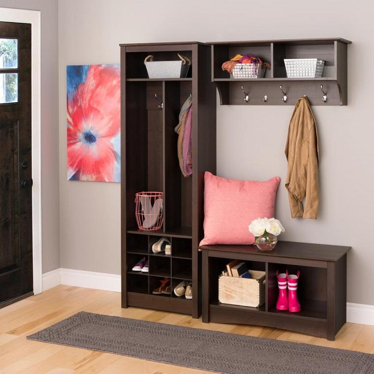 mobile corridoio colore nero design classico