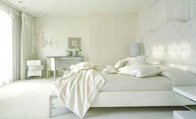 mobili camera da letto decorati
