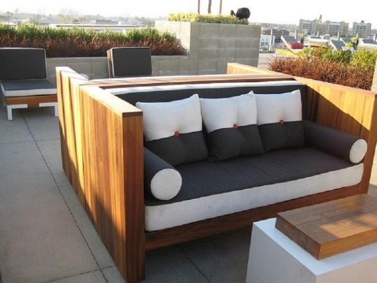 Mobili Con Pallets : Pallet usati per creare dei mobili da esterno mozzafiato archzine.it