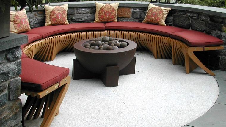 mobili per esterno grande seduta semicerchio fuoco centro