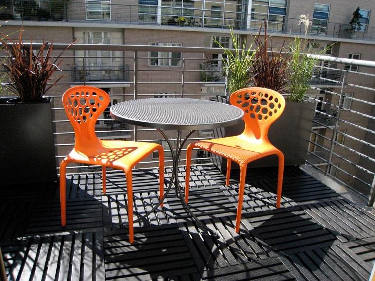 mobili per esterno sedie arancioni design