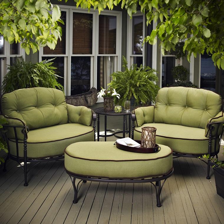 mobili per esterno stile classico